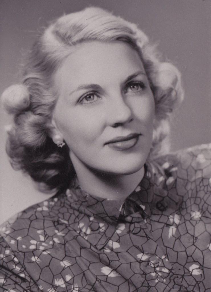 Dorothy Dahl (Silverton, Oregon)